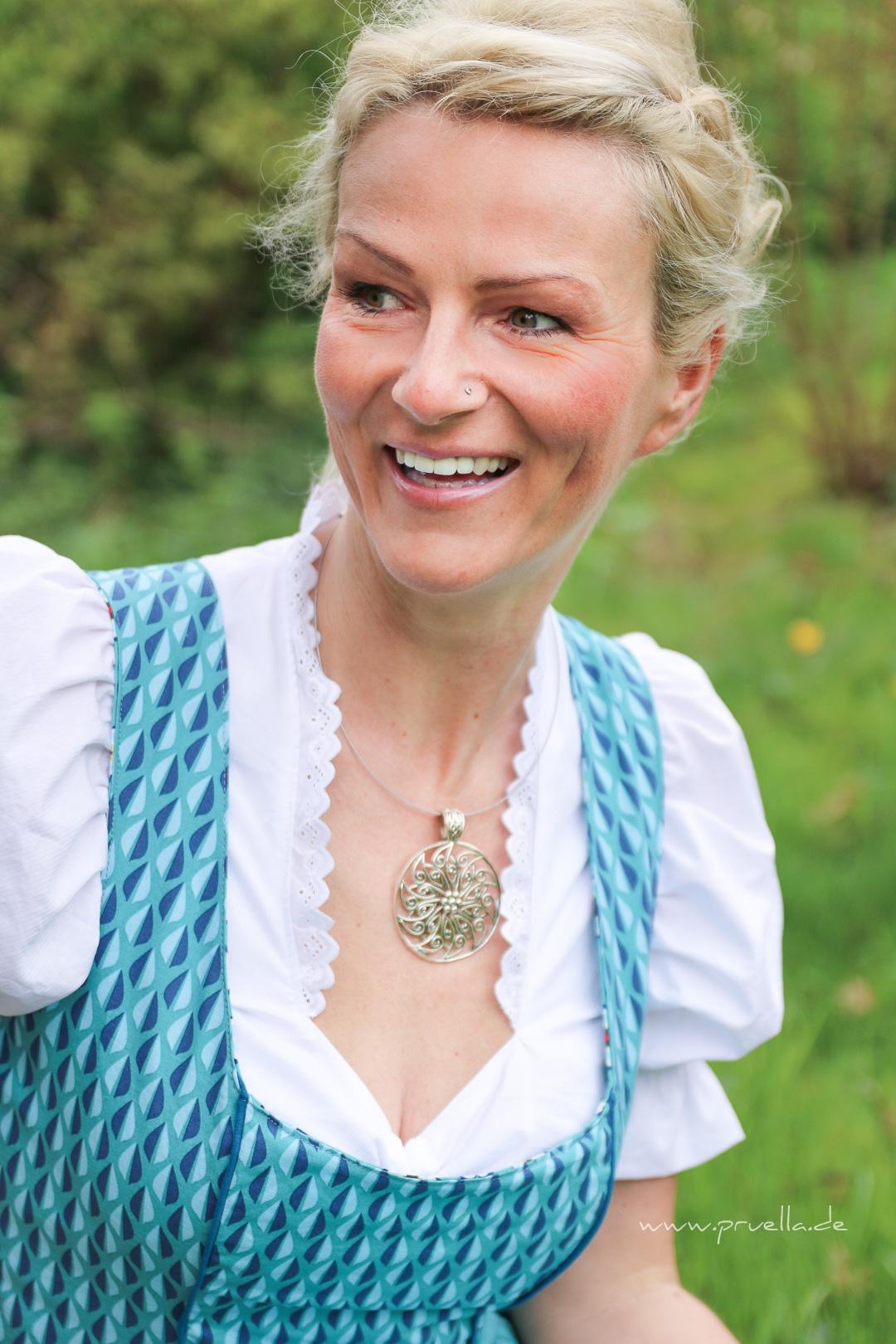 Pruella Dirndl Anna nach mondbresal aus Happy flowers von lilalotta